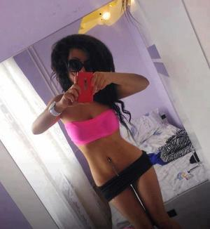 Fae is looking for adult webcam chat