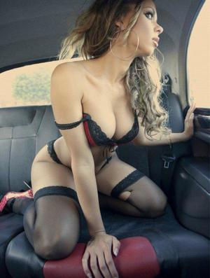 Aura from Providence Forge, Virginia is looking for adult webcam chat
