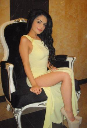Angie from Clover, Virginia is looking for adult webcam chat