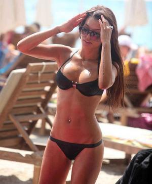 Carlie is looking for adult webcam chat