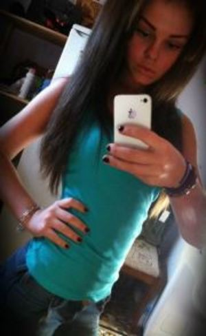Cinthia is looking for adult webcam chat