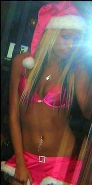 Candra from Elim, Alaska is looking for adult webcam chat