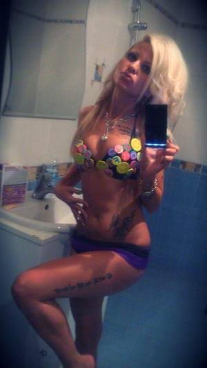 Elizebeth from Adger, Alabama is looking for adult webcam chat