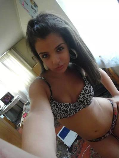 Dyan from Jackson, Mississippi is looking for adult webcam chat