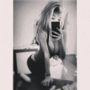 Claudie from Anderson Island, Washington is looking for adult webcam chat